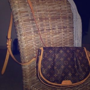 Louis Vuitton Cross Body Auhentic